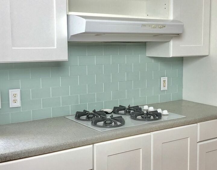 peel and stick tile backsplash