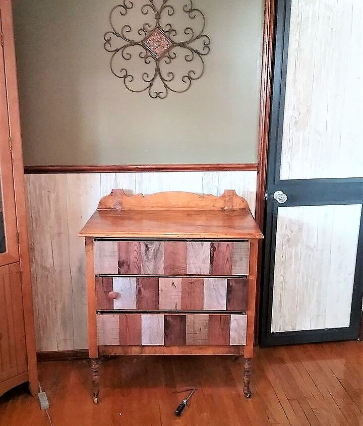 s use paper on your furniture for these great updates, Create a faux finish with a paper pattern
