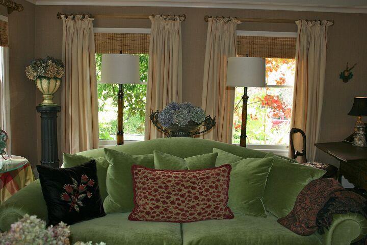 s velvet ideas, Looking Fresh With An Apple Green Velvet Sofa