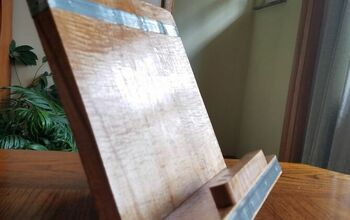 Simple Cookbook or Tablet Stand