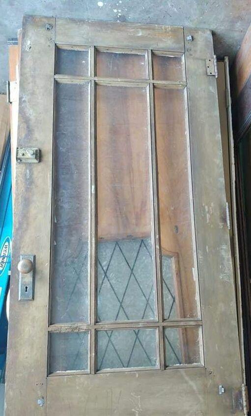 q how to clean an old wooden door