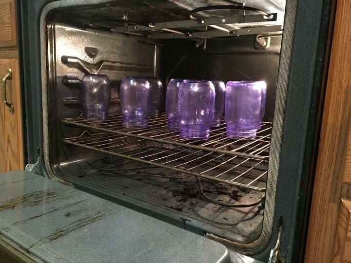 make your own tinted mason jars with bath salts