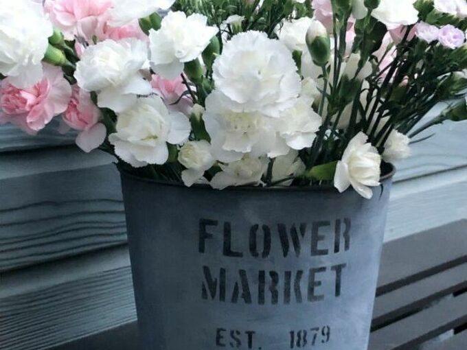how to make an easy faux galvanized flower bucket
