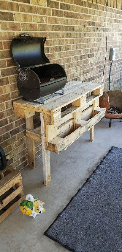 how to build a pallet table for the patio