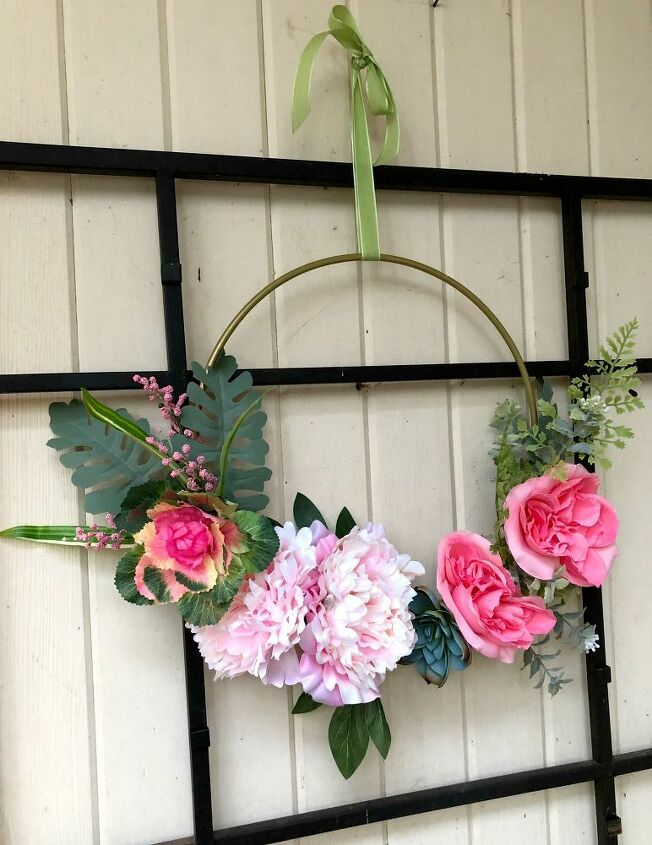 making a hoop wreath