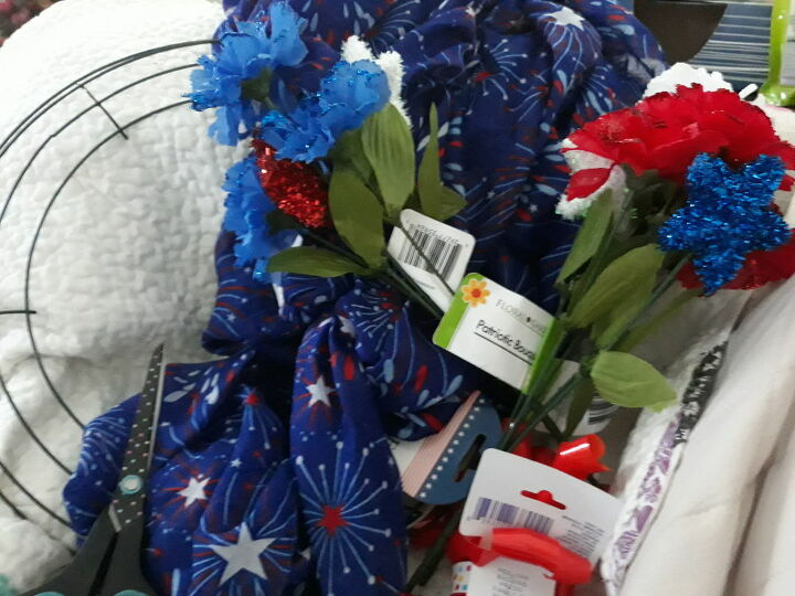 a patriotic wreath