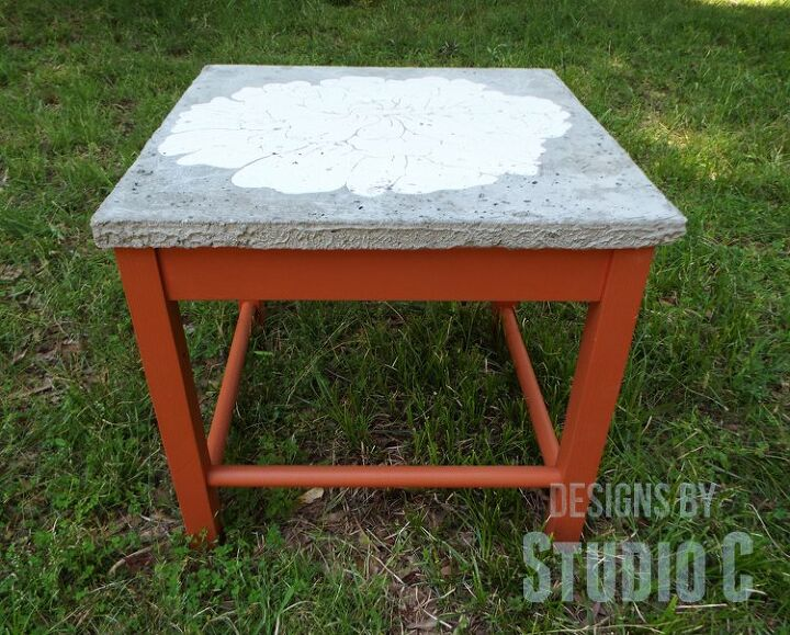 an easy to build outdoor table with a concrete top