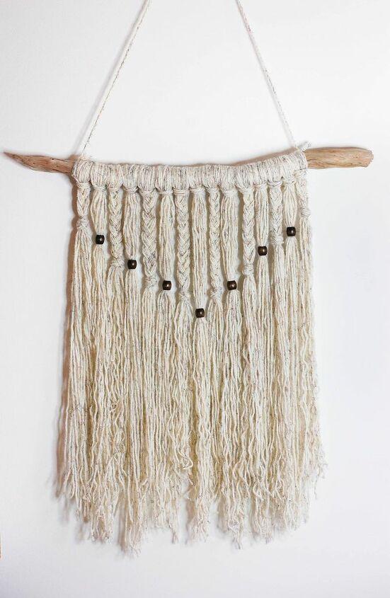 a simple yarn wall hanging tutorial