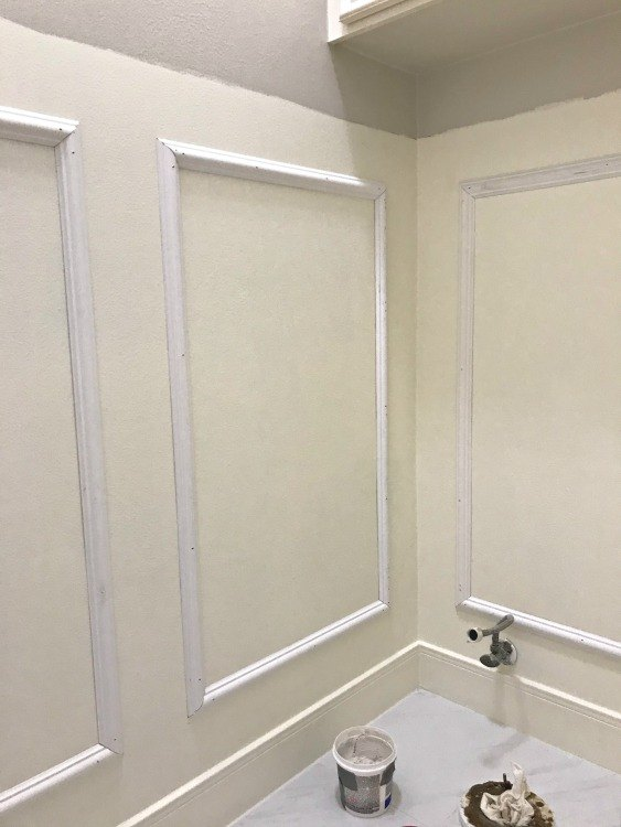 diy traditional chair rail picture frame wainscoting