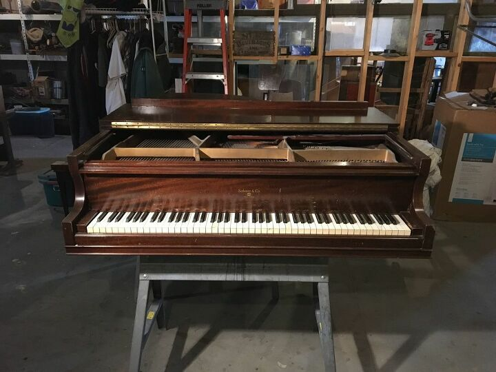 Piano as  delivered, with legs detached.