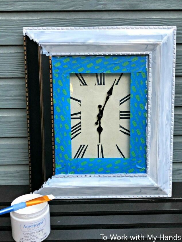 a boring thrift store clock gets dressed up for the 4th
