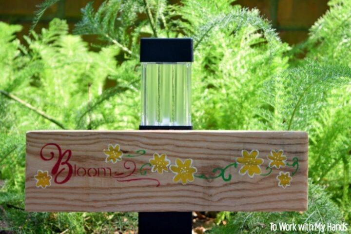 pallet wood solar light garden sign