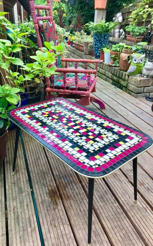 Glamorous coffee table revealed!