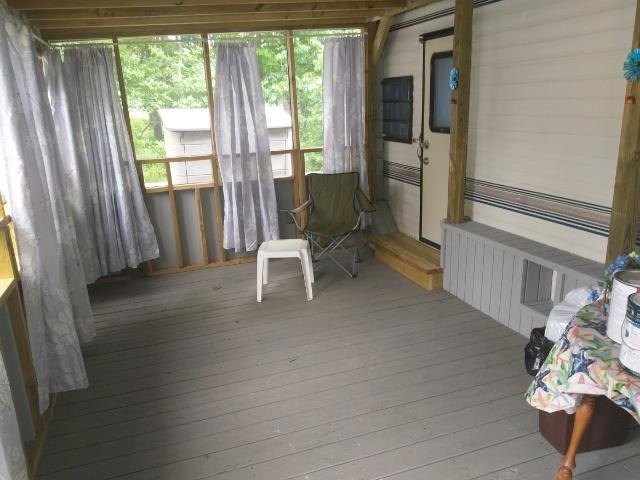 q i need ideas on how to decorate a camper wall