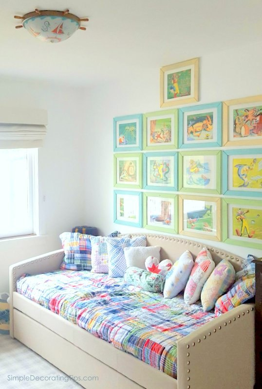 hang a group of pictures