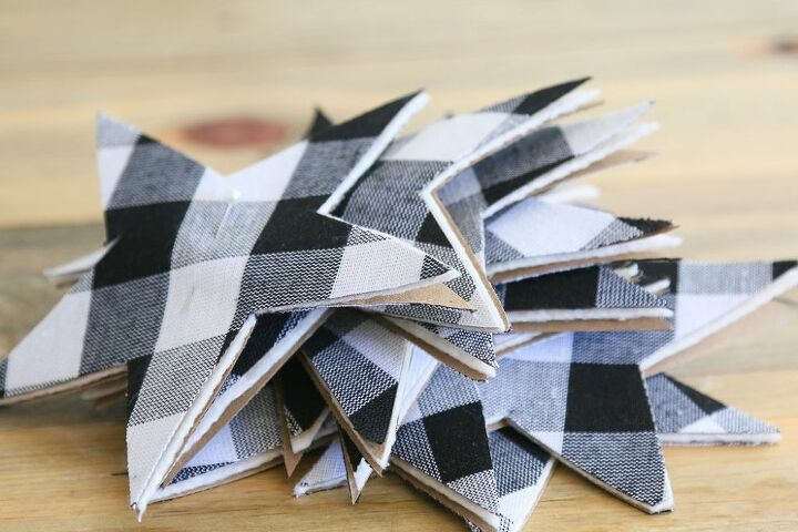 make this super simple gingham stars garland