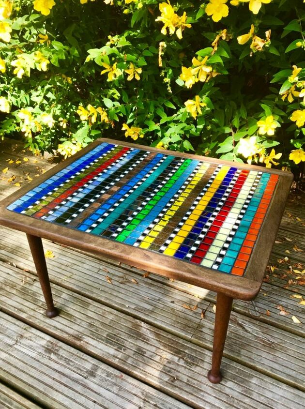 Funky table makeover with mosaic