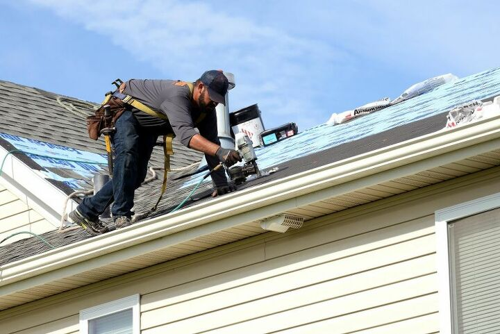 why you should hire a professional roofing contractor