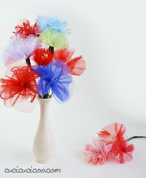 beautiful tulle flowers to decorate your home