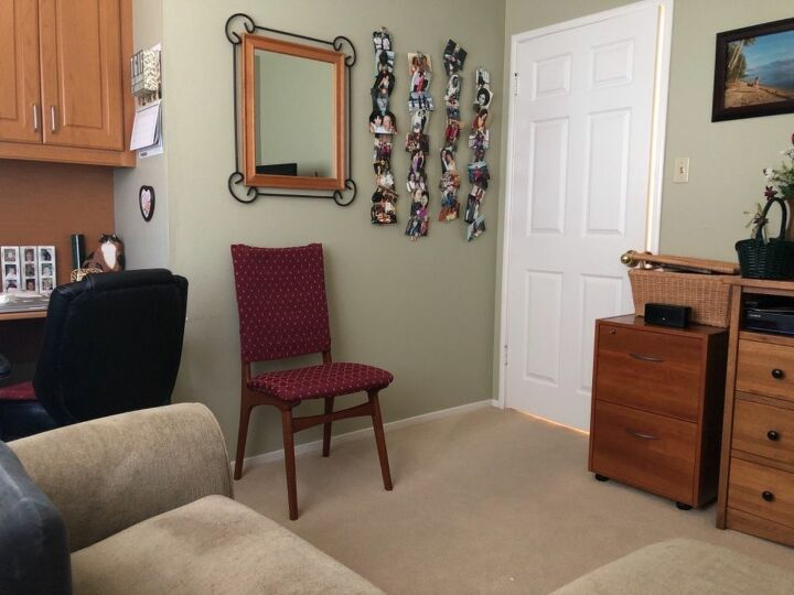 q how to decorate a small room