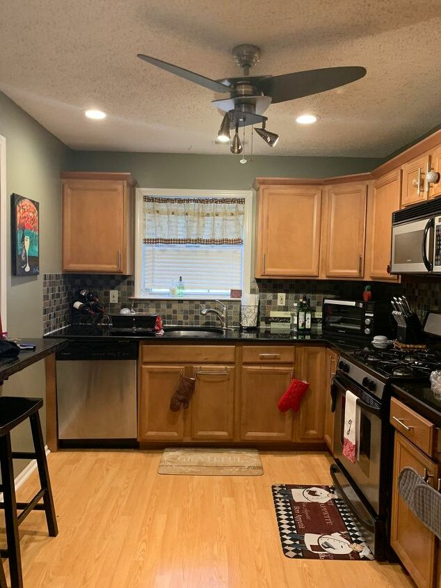 q can i reface my cabinets on my own instead of paying big bucks to hd