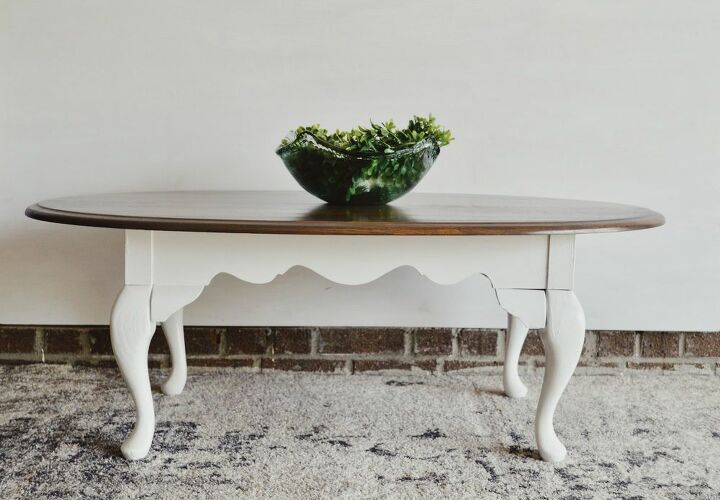 out dated coffee table turned farmhouse chic