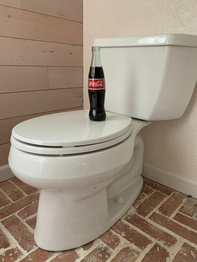 clean your toilet with coke