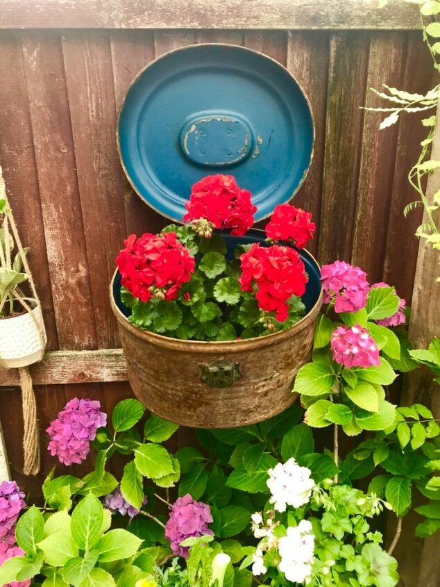 Victorian Hat box planter
