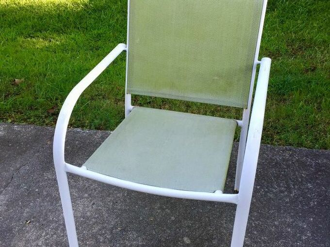 q how can i paint these lawn chairs so both sides look good