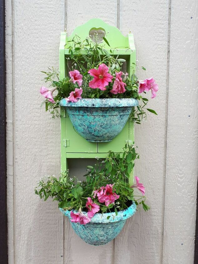 turning an old shelf into an outdoor planter