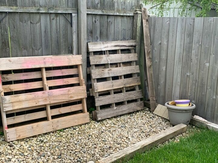 q how to jazz up these backyard areas