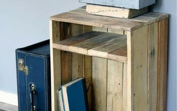 How to Make a Rustic Style Pallet Wood Side Table