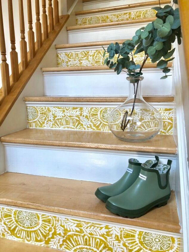 Easy DIY Staircase Makeover