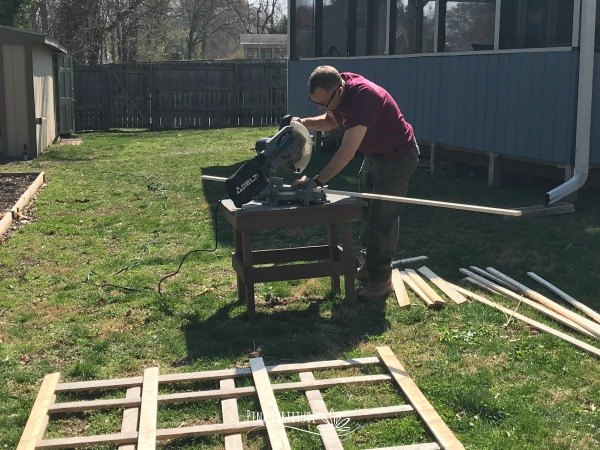 How to Build 3 Vegetable Garden Trellis DIYs | Hometalk