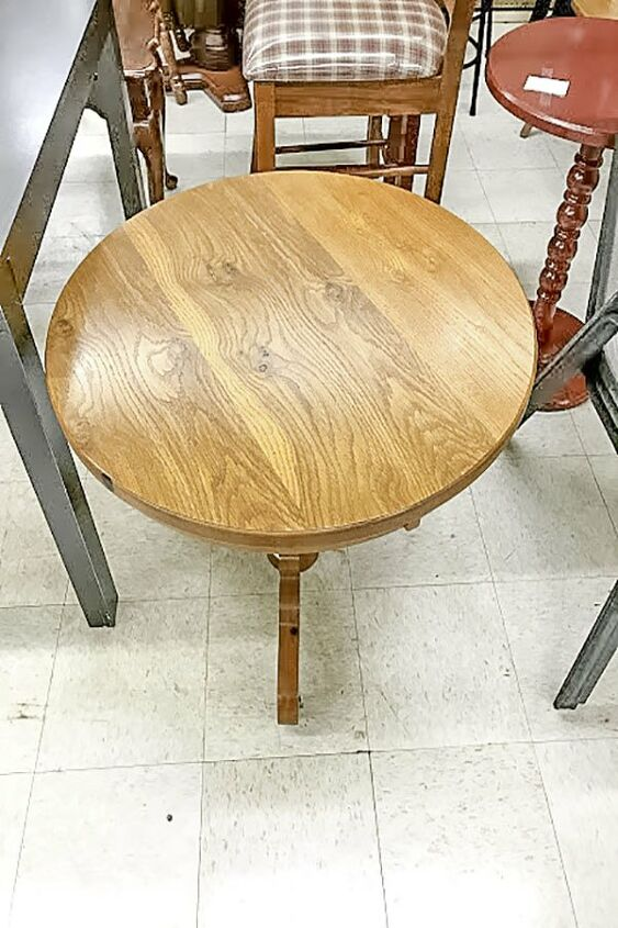 transform an outdated table into a farmhouse pedestal coffee table