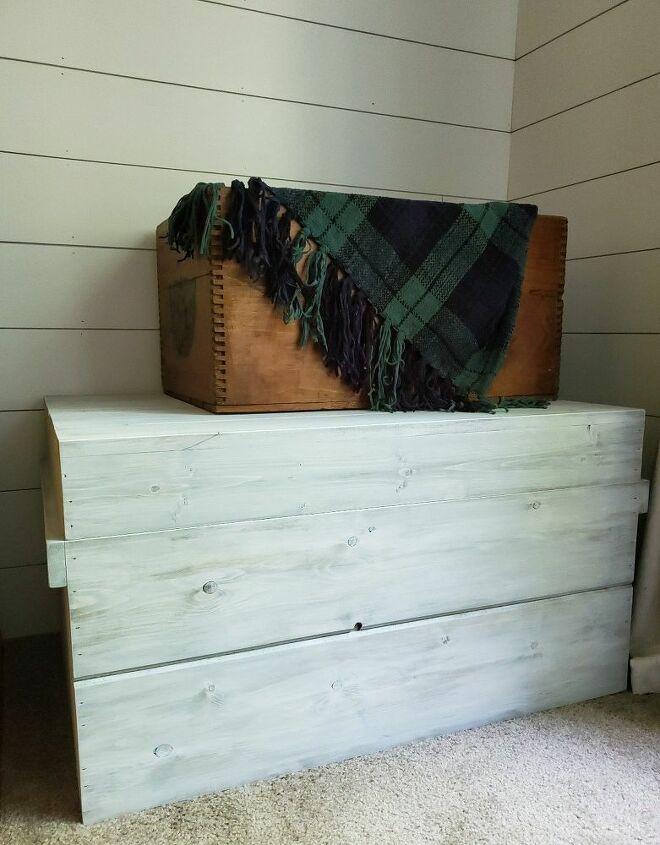 diy blanket trunk