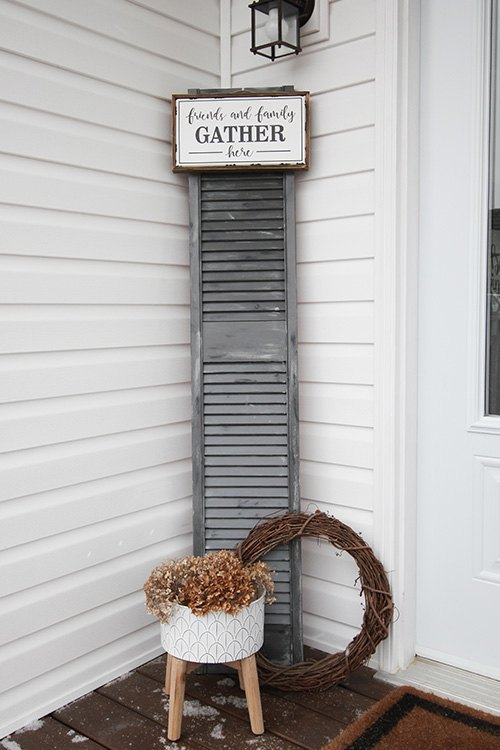 clever oversized shutter farmhouse decor