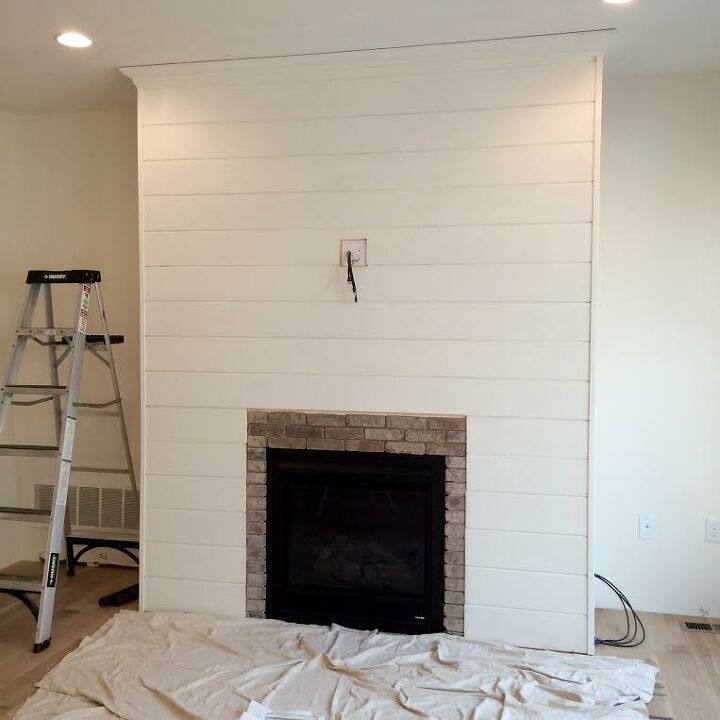 diy shiplap fireplace