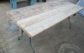 Upcycle Plastic Folding Table