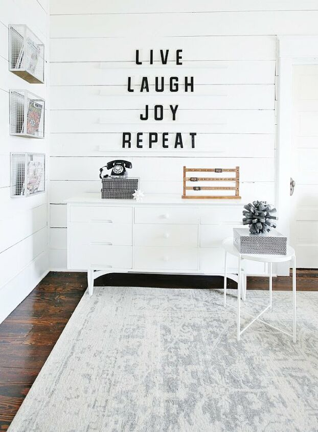 s wow your guests with these 14 amazing living room ideas, Leave your family giant living room love notes