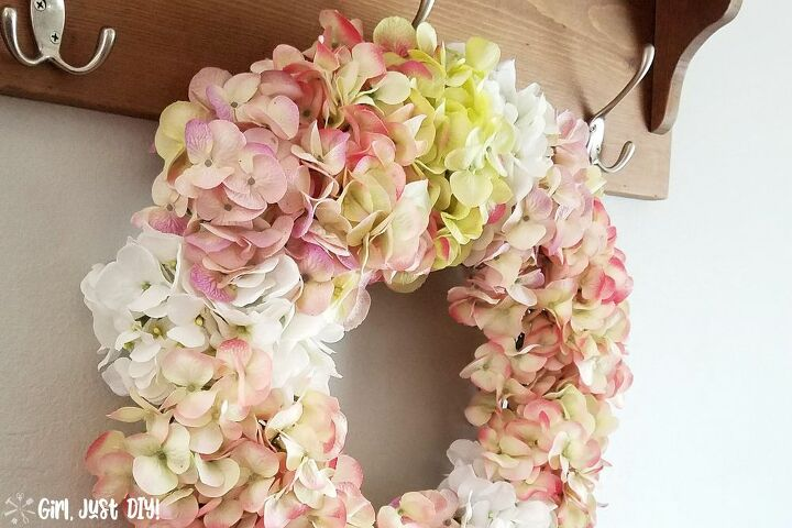 easy diy hydrangea wreath