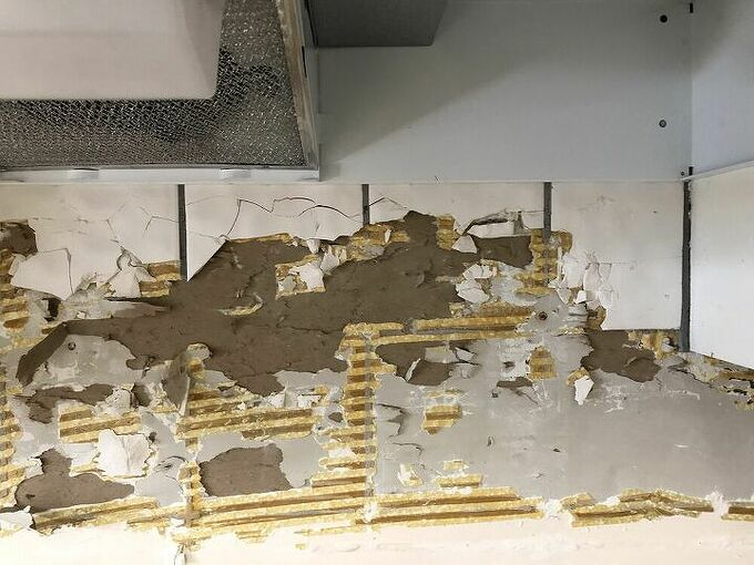 q what is the best solution for repairing and prepping for backsplash