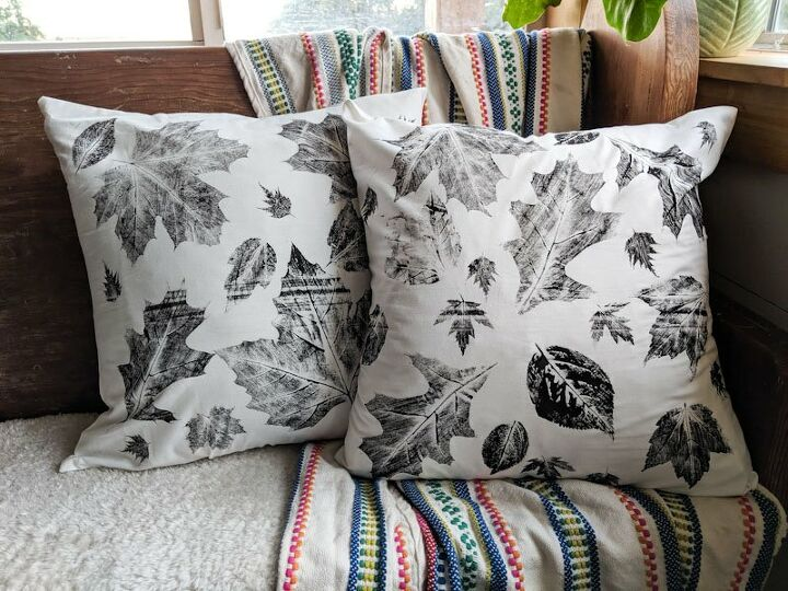 diy fall decor throw pillows stamped with leaves