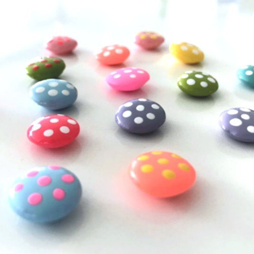 how to make beads with hot glue for decorative uses