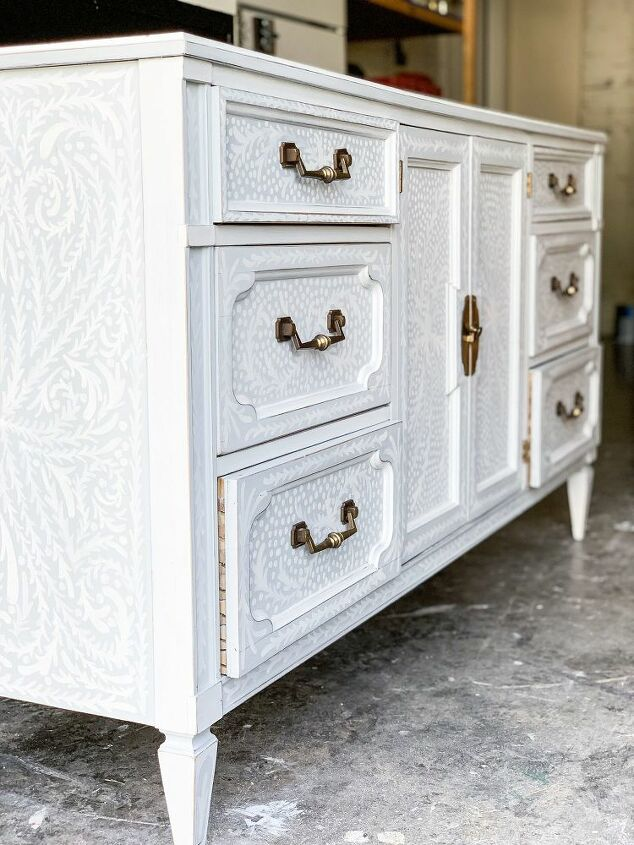 hand painted detailing