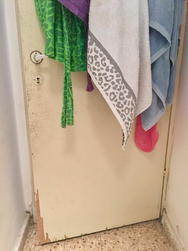 q how can i paint this bathroom door