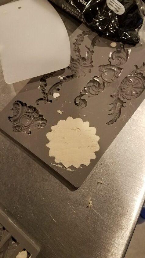 using molds for a custom letter