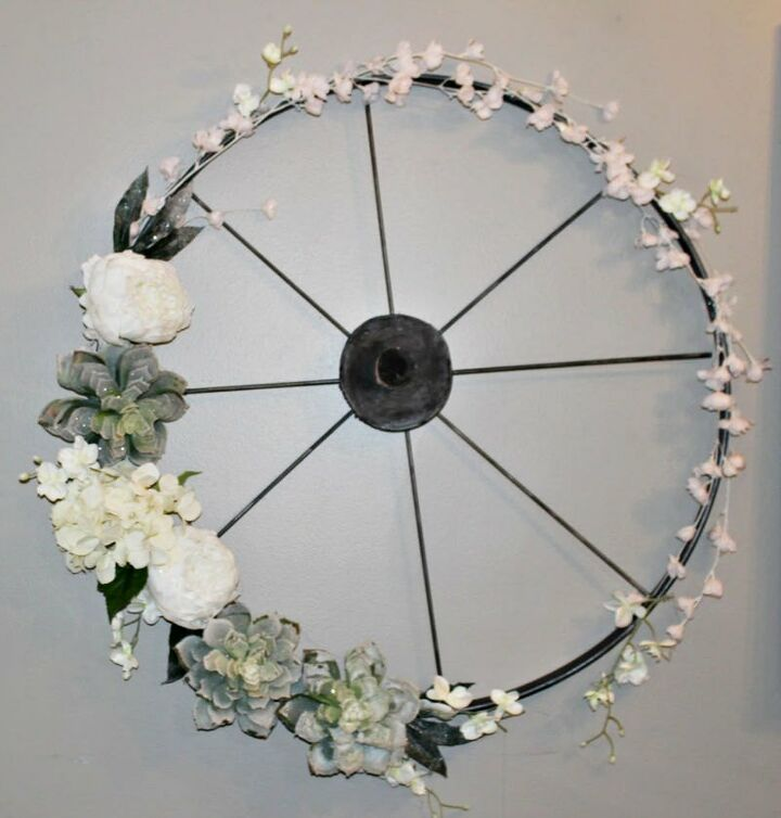 how to make a wagon wheel wreath from an embroidery hoop