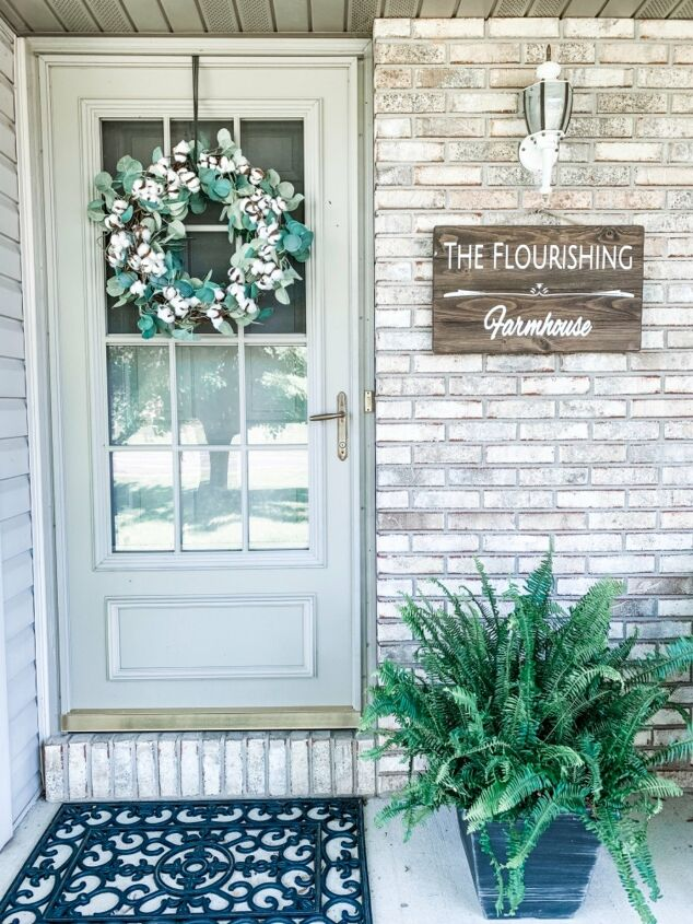 s 21 farmhouse accents to add to your home, Try this easy cotton farmhouse wreath