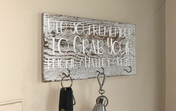 How To Make A Wall Mounted Key Holder